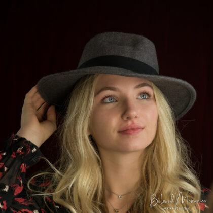 Portret Lonne met Hoed