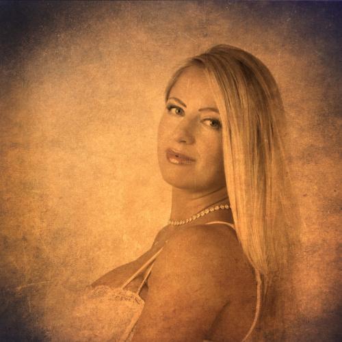 Art-impressie portret met Yuliya.